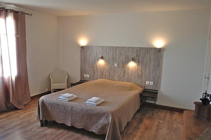 Big room Bed 160 X 200