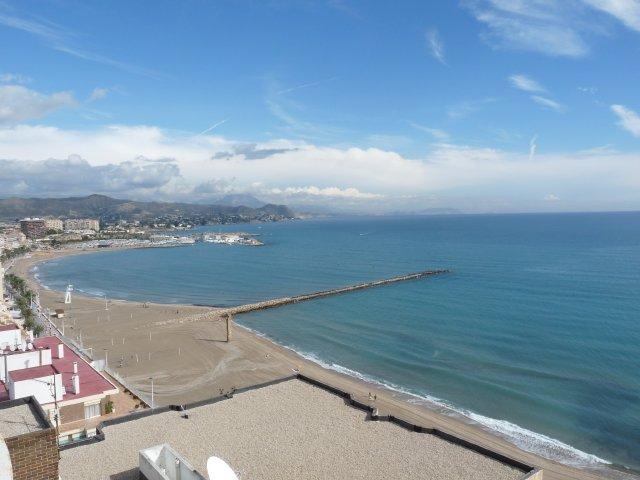 Primera línea con vista panoramica al mar. 2 Dorm, holiday rental in Campello