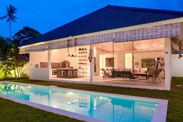 Nice Quiet Villa 3 bedrooms with pool, staff in Umalas, holiday rental in Kuta