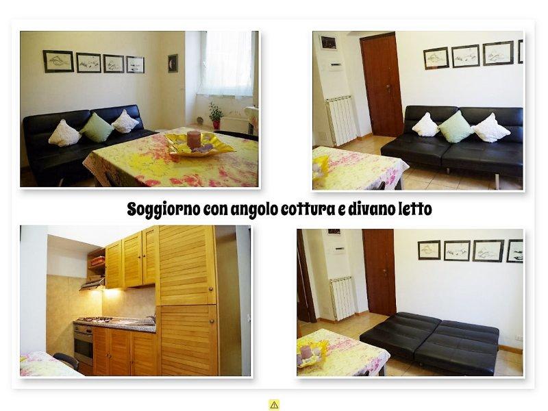 A sala está equipada com televisão e sofá-cama para um.