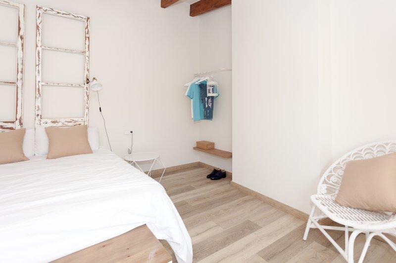 Bonita y soleada habitación