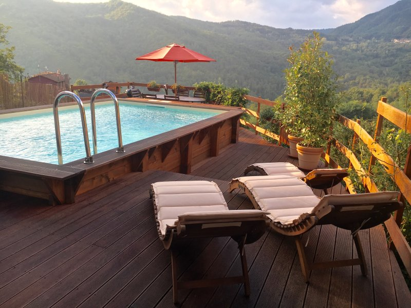 Casa Kennedy,  Tuscan Villa with Private Pool, vacation rental in Benabbio