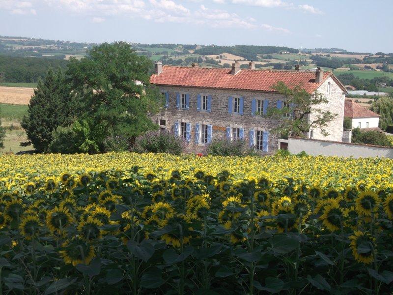 Couette et Chocolat chambres et tables d'hôtes, location de vacances à Castelnau-Montratier