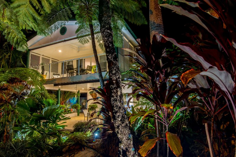 Port Douglas Beach Villa, 'The only place to stay' near Four Mile Beach. Private, stand alone Duplex