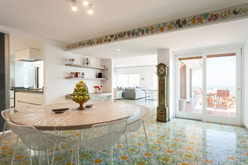 Ideal Family Villa near Sorrento with Spectacular Views - Villa Sogni di Sorrent, vacation rental in Province of Piacenza