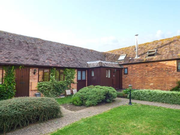 CONDICOTE COTTAGE, all ground floor, lawned garden with patio, shared BBQ area, alquiler vacacional en Long Marston