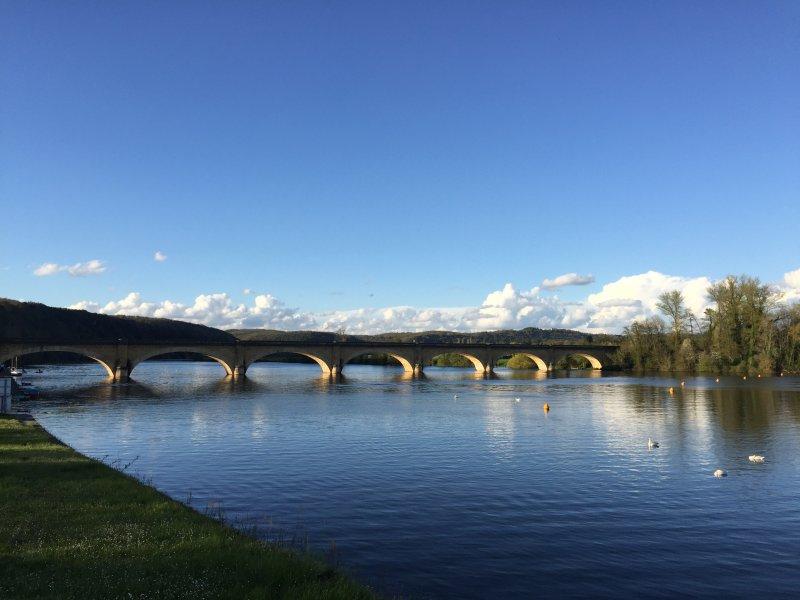 Mauzac's railway bridge over the Dordogne