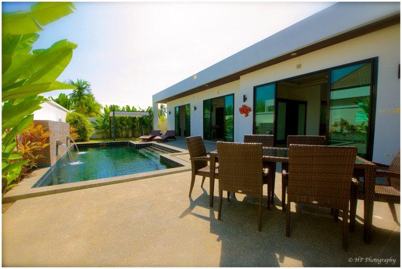 Il Villa..Sa Great Pool ... Grande suo Terrasse..Sa Ristorazione ..
