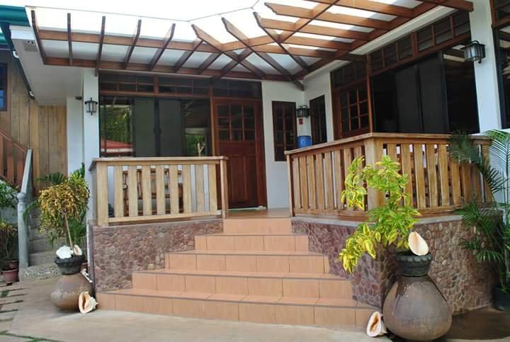Nonoy Matt Bed & Breakfast (family room), holiday rental in Palawan Island