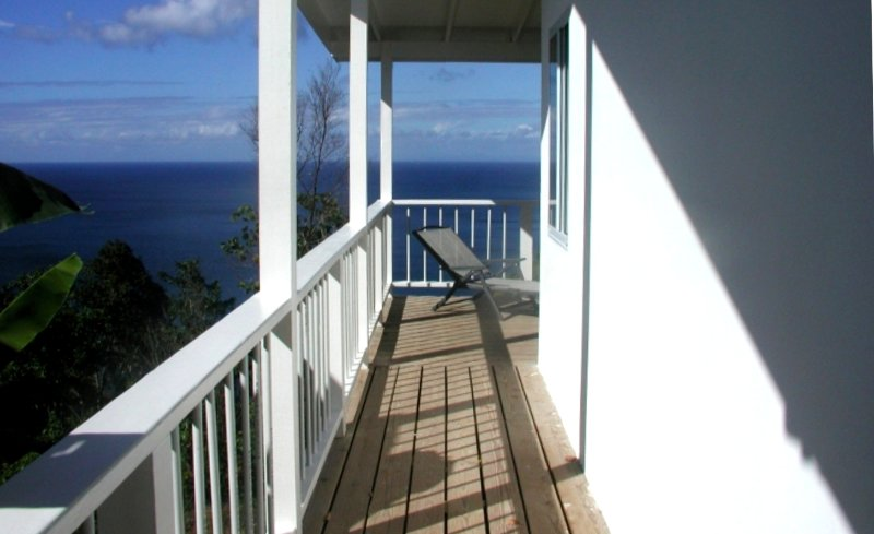 COTTAGE ENTRANCE: OCEAN VIEWS.