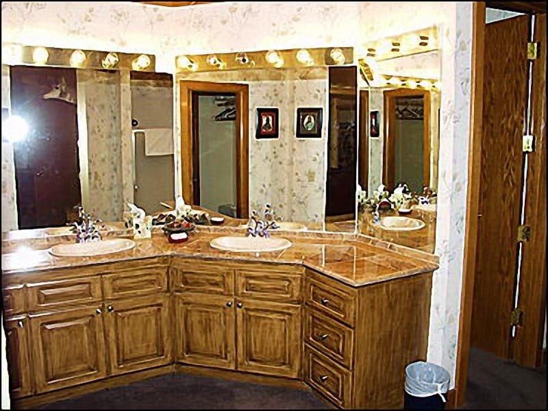 Master Bathroom Upgraded Vanity Area