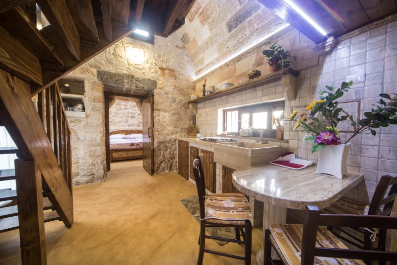 Trullo reale, holiday rental in Torre Suda