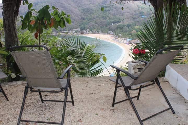 Met een prachtig uitzicht en terras Yelapa Bay, strand en de zee