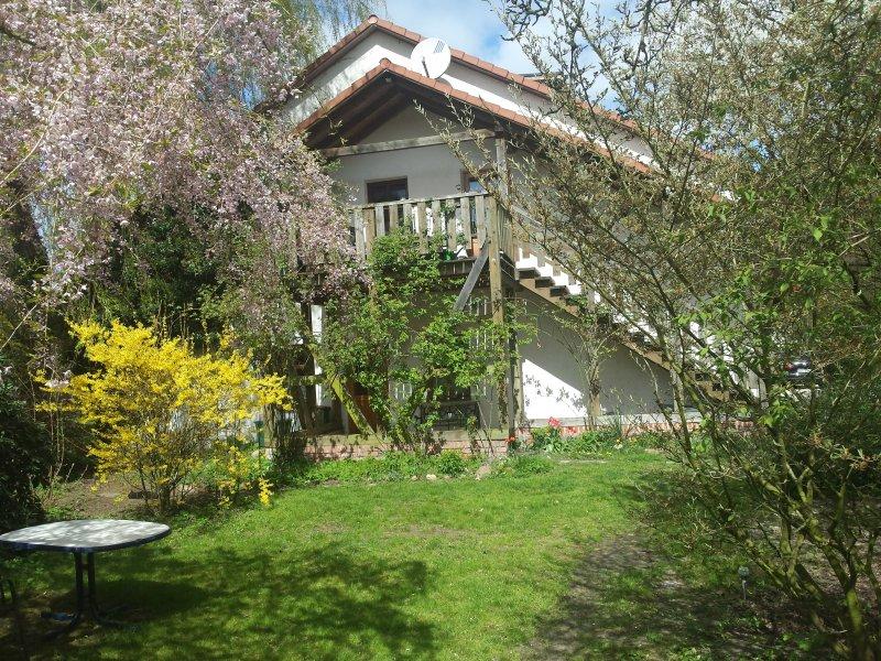 idyllisch gelegenes 2-Zi-App, mit Sauna und Garten, holiday rental in Worpswede