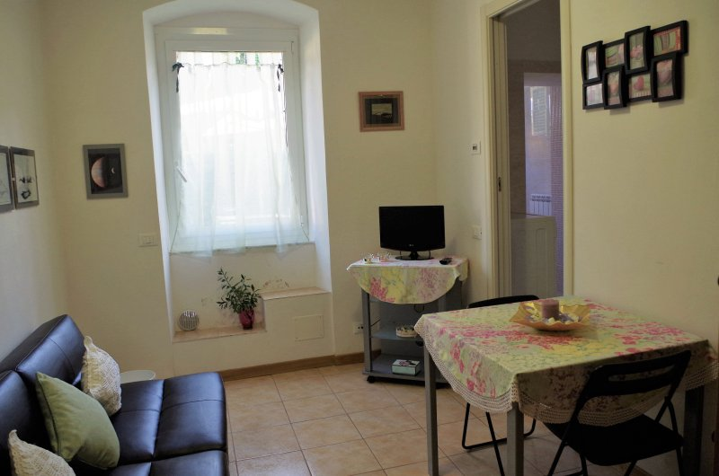 Two rooms with garden on the Gulf of Poets, a stone's throw from the Cinque Terre and Versilia.