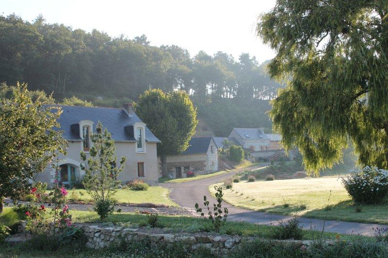 Gîte 3 *, entre Saumur et Angers, accessible personnes à mobilité réduite., vacation rental in Doue-la-Fontaine