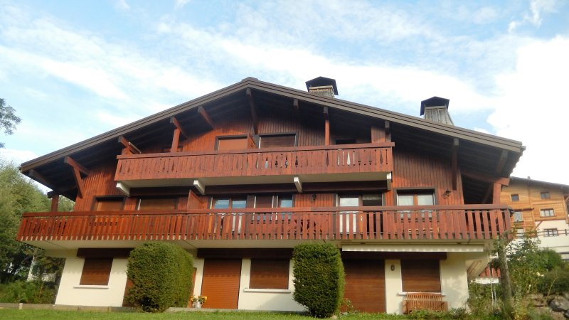 LOCATION APPARTEMENT 4 PERSONNES, holiday rental in Demi-Quartier