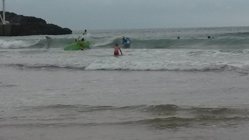 SURFAR NA PRAIA