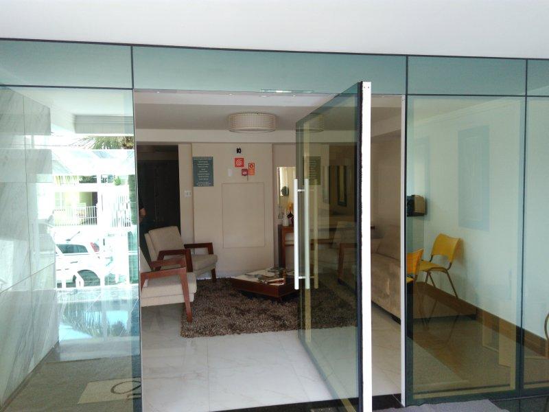 Apartamento Praia,Lindo,Lazer, ate 6 pessoas, holiday rental in Praia Grande