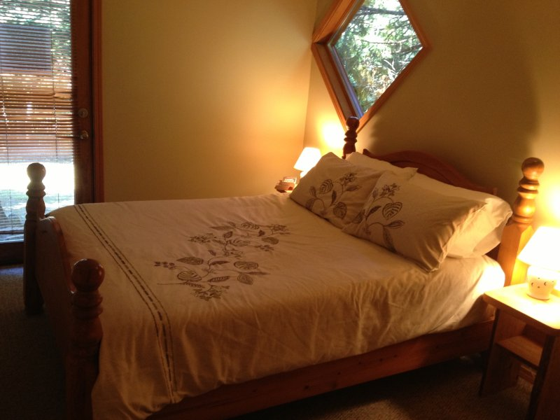 Camera da letto con accesso diretto alla vasca idromassaggio e bagno