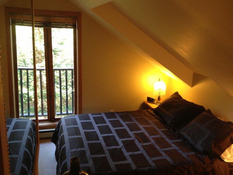 Camera da letto con Juliette balcone e bagno