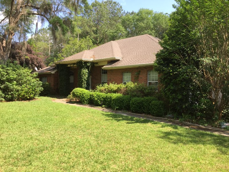 Hermosa, privada, totalmente equipada 4BR UpScale Resluded Residence en Large Wooded Lot !!