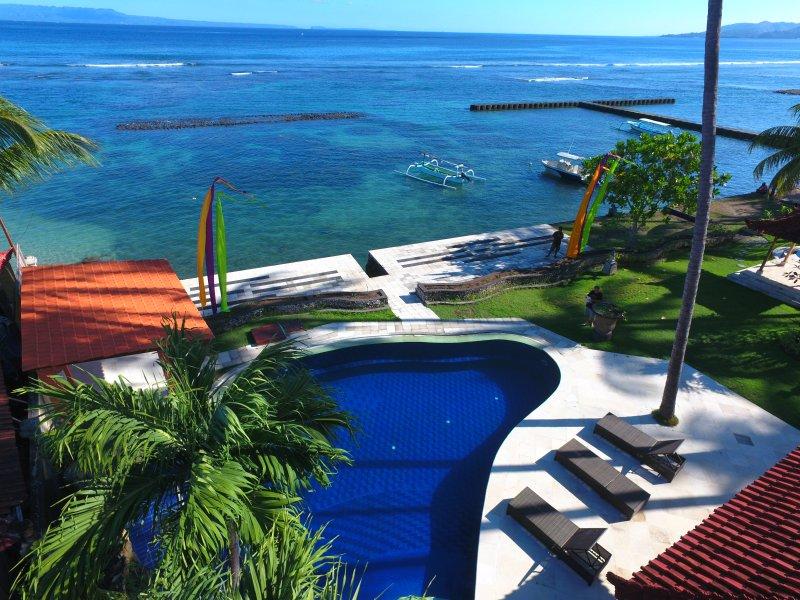 Candidasa Seaview, Villa rama, East Bali, location de vacances à Candidasa