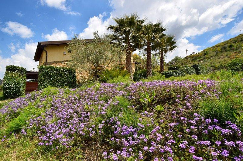 Giucalem - La Casa negli Orti, vacation rental in Aidone