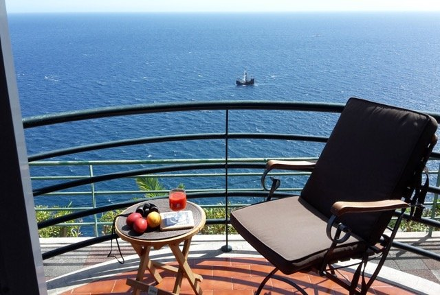 Lobos Bay - Quiet and Peaceful Location, holiday rental in Estreito de Camara de Lobos