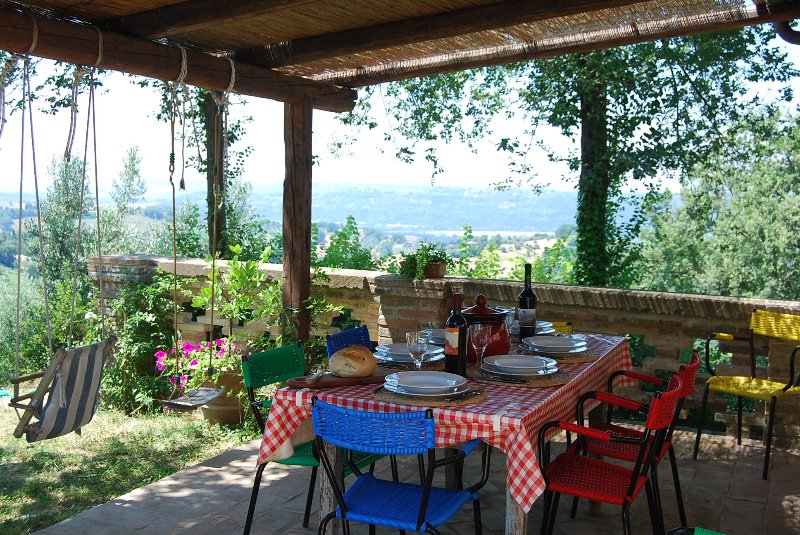 Shaded dining terrace with views towards Rome. Great for birdwatching
