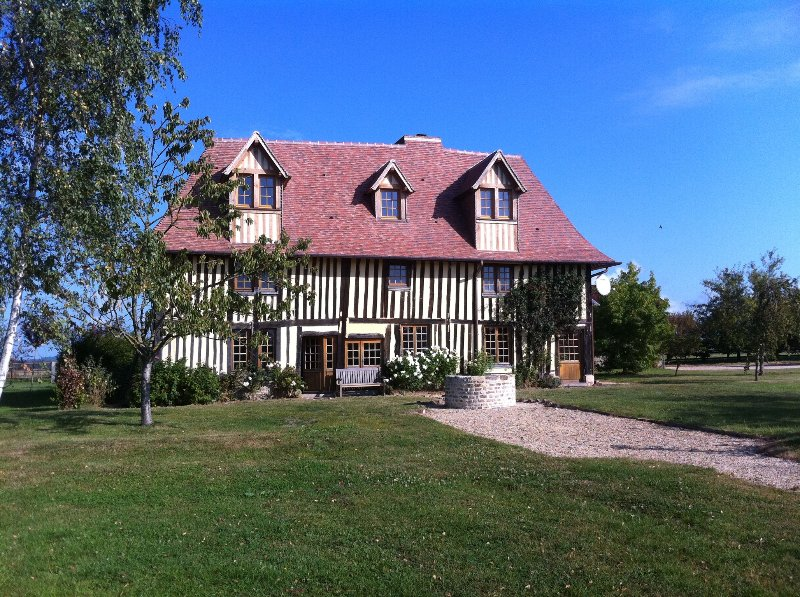 Manor in the heart of Pays d'Auge, location de vacances à Mezidon-Canon