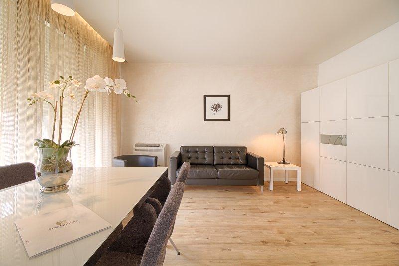 The Rooms Residence: One bedroom Apartment, location de vacances à Daias-Barabas