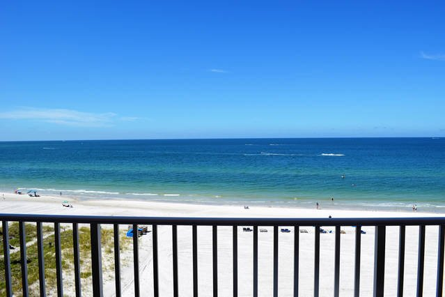 gorgeous 6th floor beach views!