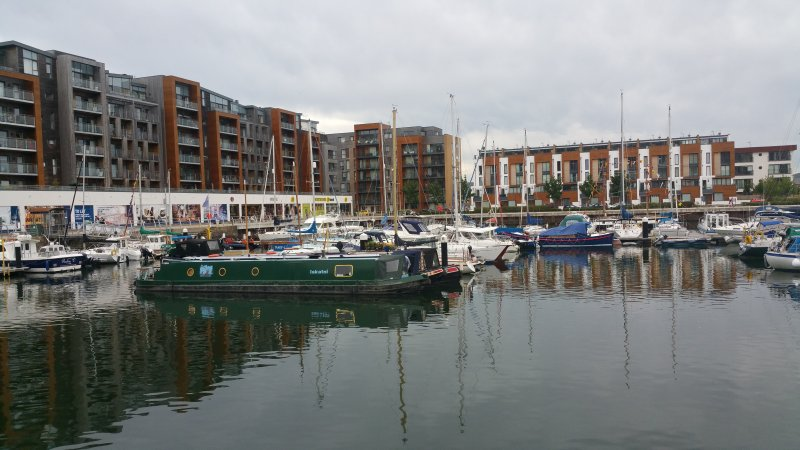 Modern Penthouse Marina Apartment, holiday rental in Magor