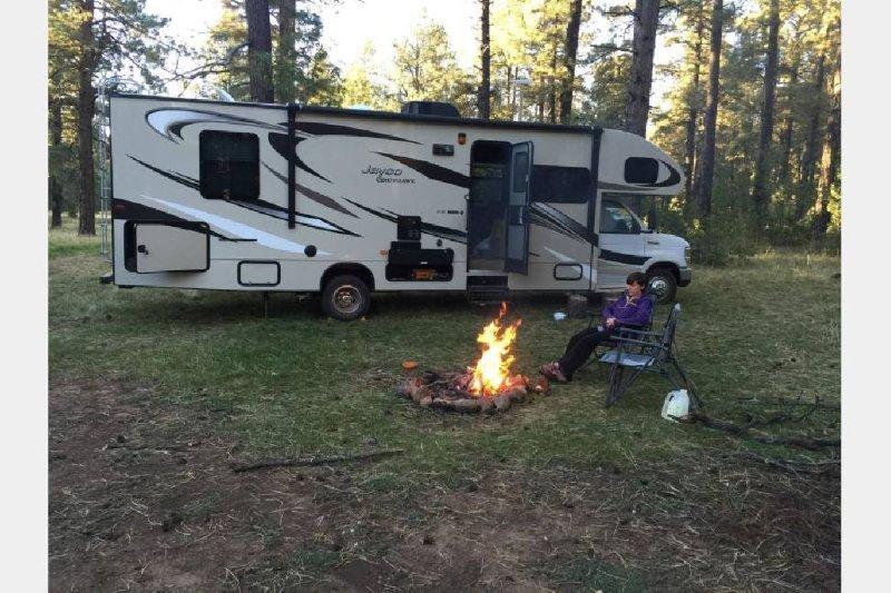Luxury RV, vacation rental in Glendale