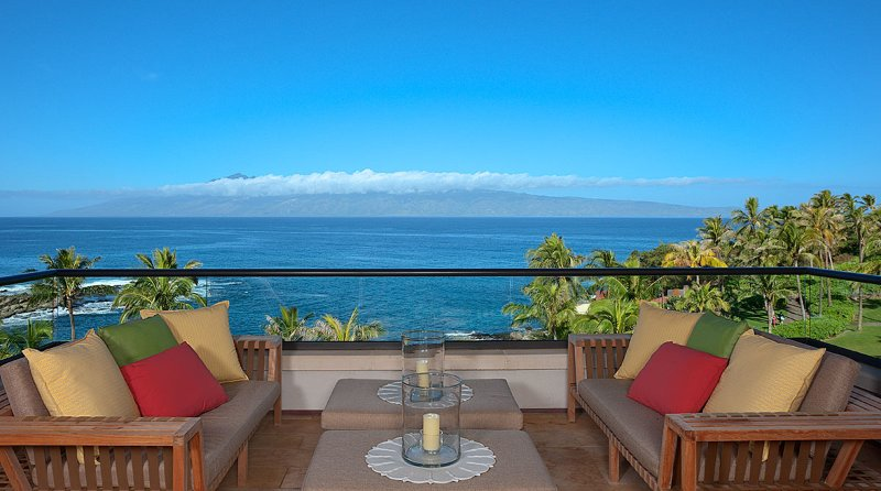 Privately-Owned Penthouse with Ocean views in Maui, aluguéis de temporada em Kapalua