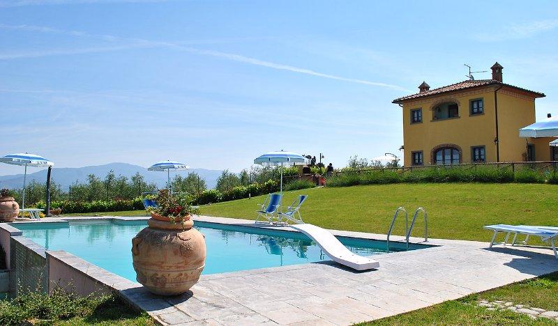 Private accommodation with pool up to 8 pax close to Cortona, Villa Barbara!, location de vacances à Foiano Della Chiana
