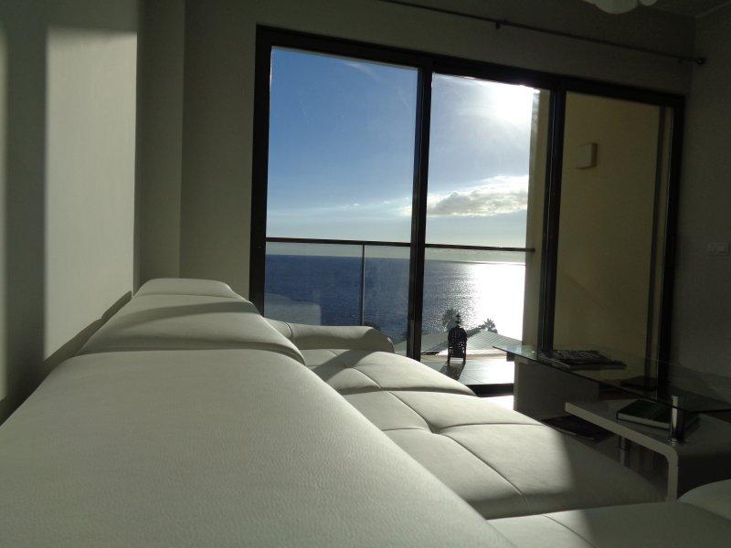 sala de estar con vistas Bluesea.