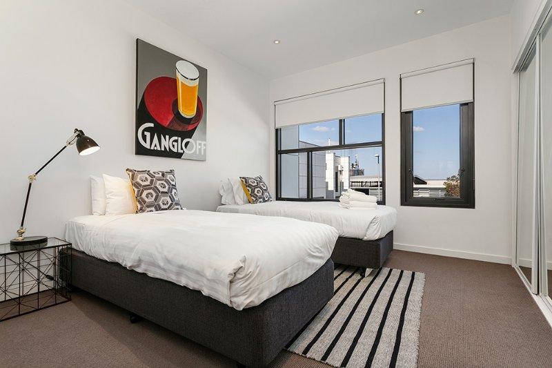 Segundo quarto com 2 camas individuais ou uma rainha! Sua escolha?!