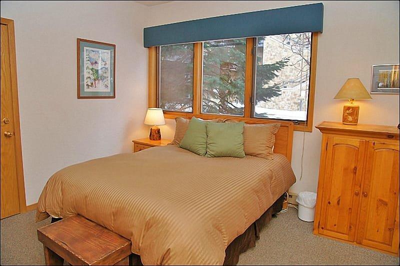 Slaapkamer 1 - Queen, eigen badkamer