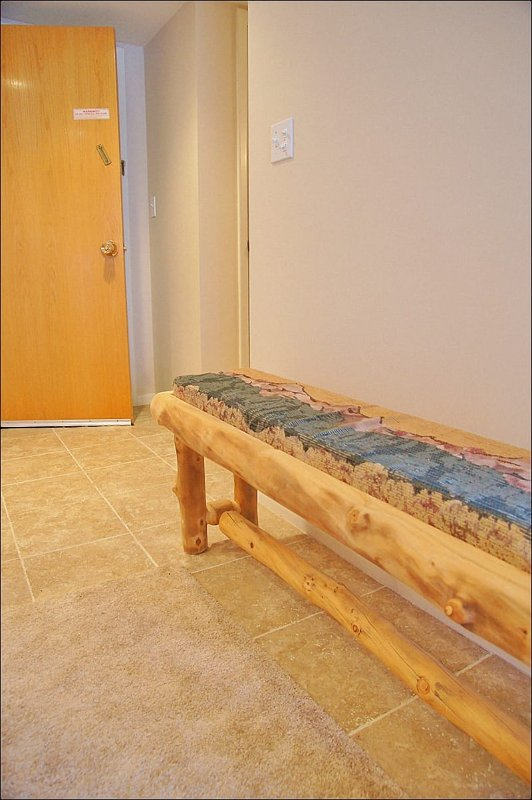 Entry with Bench - relax & remove your boots!