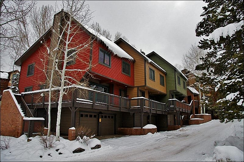 Large, multi-level townhome located within walking distance of the ski slopes.
