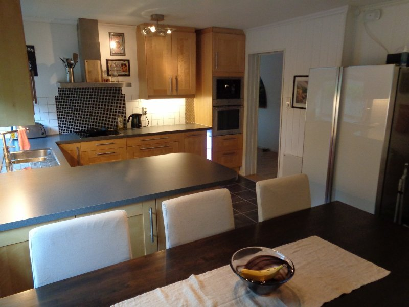 Very Nice 80m2 Three Bedroom Apartment in a House, Ferienwohnung in Os Municipality