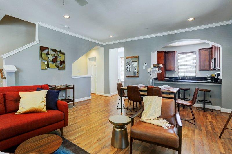 Luxury Resort Style *westelm House* In Heart of TX, holiday rental in Fresno