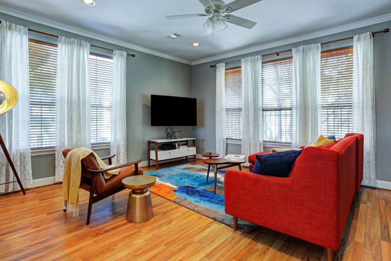 Espaço vital quarto com LCD HD TV inteligente
