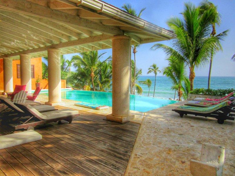 Villa Los Gorgones, on the ocean, pool, sleeps 9, vacation rental in Las Galeras