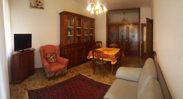 Appartement près de Venise avec toutes les commodités. Entraîner bus supermarché de la pharmacie à 50 mt