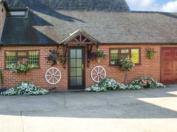 WESTWING, en-suite, off road parking, rural location, comfortable retreat, in, casa vacanza a Lichfield