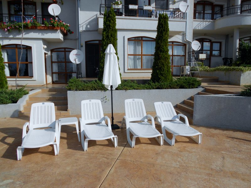 4 Private Sun Loungers and parasol