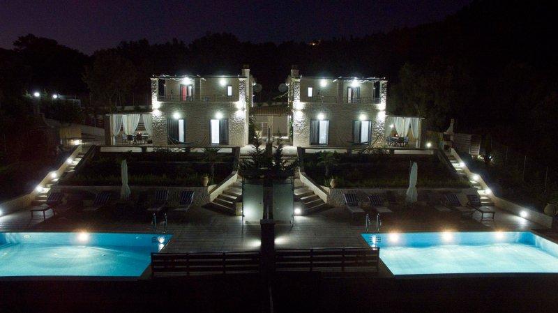Ionian Diamond Villas - White, holiday rental in Mikros Gialos